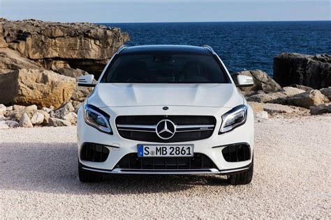 We give the model line a 5 out of 10 for performance. 2019 Mercedes-AMG GLA 45 Exterior Photos | CarBuzz