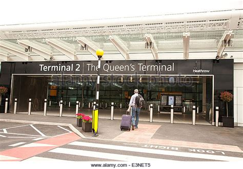 heathrow bureau de change terminal 2 heathrow airport stock photos terminal 2