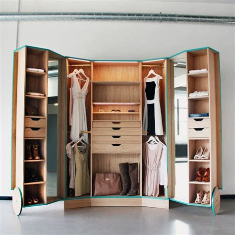 solution for spacious storage with walk in closet