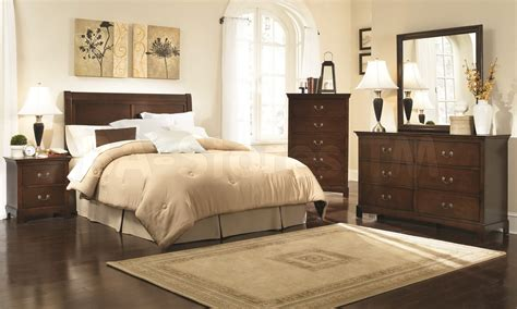 Brown And Cream Bedroom
