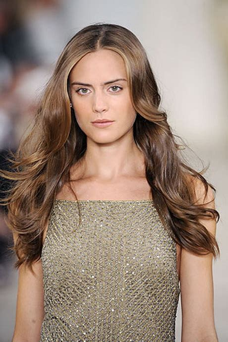 frisuren fuer lange haare braun