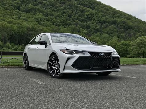Edgy Sophistication 2019 Toyota Avalon Touring Review