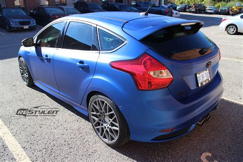 ford focus st wrapped  metallic blue autoevolution