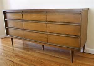 kitchen buffet furniture bassett 9 drawer dresser 2 picked vintage