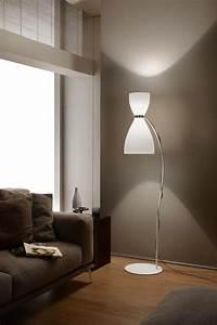 Stehlampe Für Wohnzimmer : stehlampe die ein unterschied macht licht beleuchtung in 2019 pinterest ~ Frokenaadalensverden.com Haus und Dekorationen