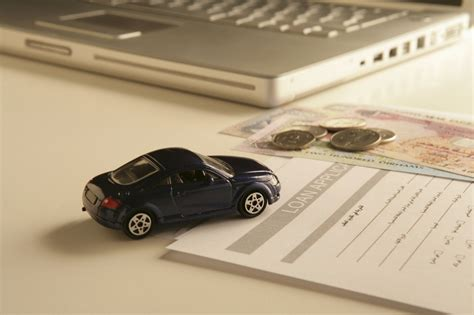 Here's how to get a car loan with the best rate possible. Pros and Cons of Refinancing a Car Loan