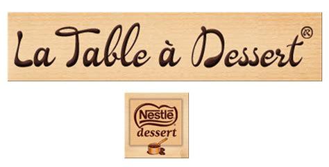 la table a dessert table de lit