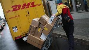 Dhl Paket Suche : lieferstau bei dhl kunden rger wegen vermissten paketen welt ~ Watch28wear.com Haus und Dekorationen
