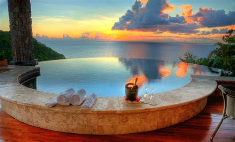Luxe Tiffany Jade Mountain Cooking In Paradise