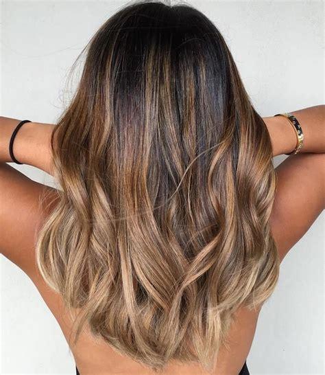 caramel haarfarbe mit blonden strähnen die besten 25 haare caramel braun ideen