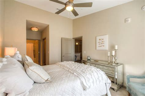 brentwood tn apartments avalon   springs residents