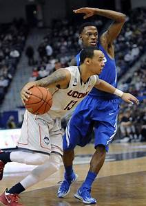 Memphis comes up short on the road to UConn - Paw of the ...