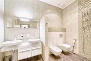 Emejing Oggetti Per Arredare Il Bagno Images New Home Design 2018 ...