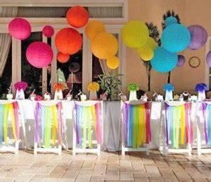 Organiser la fete danniversaire parfaite pour son enfant for Mariage de couleur avec le bleu 9 tables en fete une decoration danniversaire rainbow arc