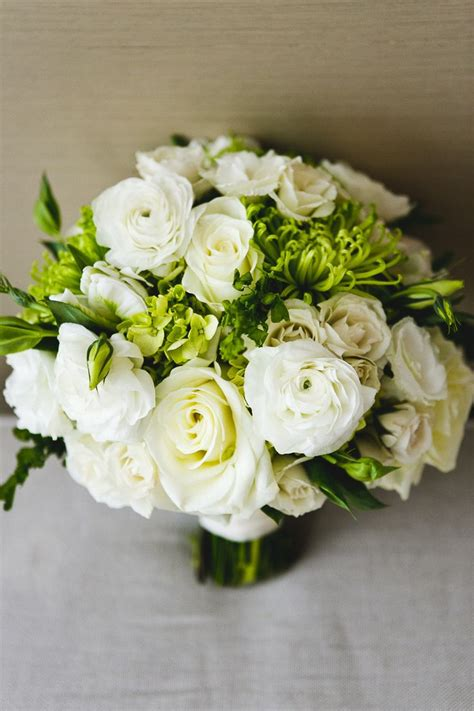 Best 25 White Rose Centerpieces Ideas On Pinterest