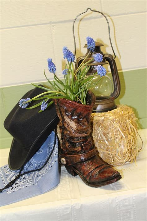best 25 western table decorations ideas on pinterest cowboy party decorations western