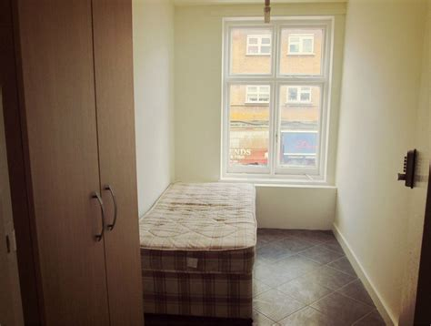 Cheap weekly Rooms to Rent from £90 per week, no Deposit
