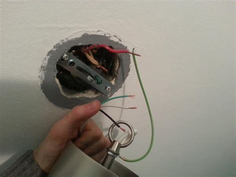 light fixture with 2 ground wires doityourself