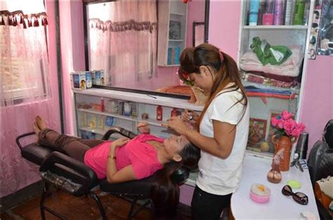 parlours in begusarai cosmetic stores in begusarai