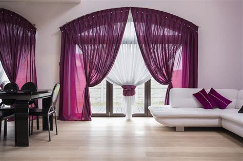 Ideas For Cozy And Soft-hued Curtains For Every Room Of