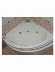 Baignoire D Angle 130x130 : baignoire d 39 angle balneo hydromassage acrylique blanche ~ Edinachiropracticcenter.com Idées de Décoration