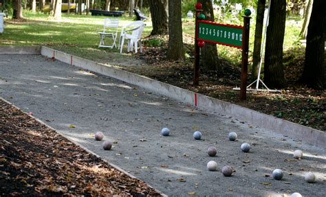 File:Bocce court 1r.jpg - Wikimedia Commons