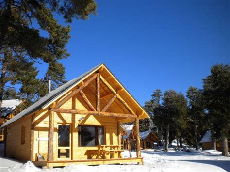 chalet en bois huttopia au pied des pistes 19991001 location et vacances