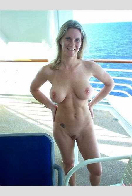 Fit Mature MILF | Aged Beauty