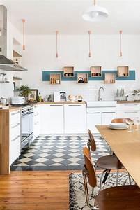 Etagere Blanche Et Bois : tag res ouvertes dans la cuisine 53 id es photos ~ Teatrodelosmanantiales.com Idées de Décoration