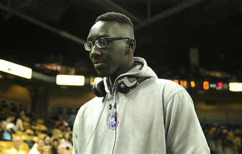 report  foot  ucf basketball freshman preparing  sue