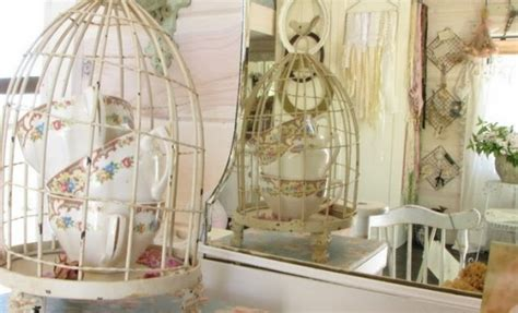 Using Bird Cages For Decor