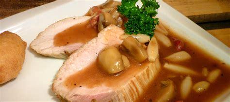 ail des ours cuisine rôti de porc à l 39 ail des ours cuisine sauvage asbl