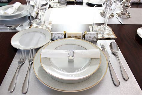 picture of table setting for dinner am dolce vita 2013 holiday dinner table setting