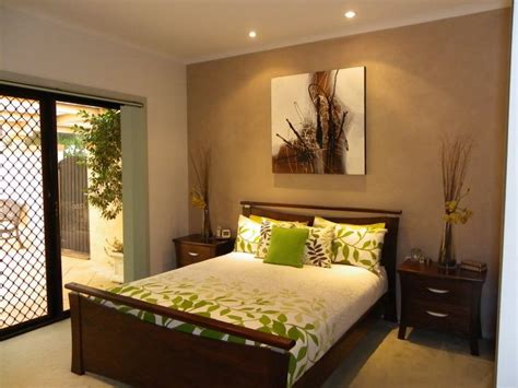 Schlafzimmer Braune Wand by Brown Feature Wall Bedroom Makeover Home