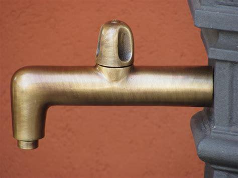 rubinetto fontana rubinetto trilos fontana ottone 13574 fonderia