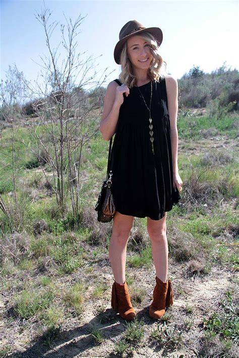 Opus Festival Style Kleid Boots Federschmuck Someday is