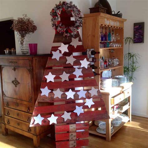 cheery cherry red pallet christmas trees sapin noel en