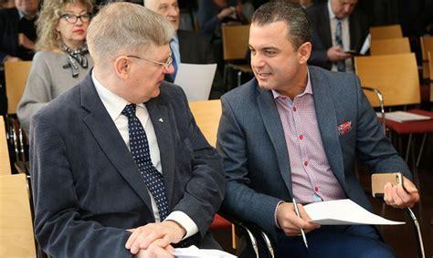 «Vienotība» mudina Saeimu balsot par neuzticības ...