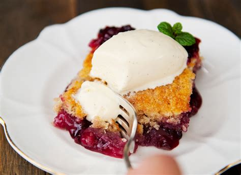 huckleberry buckle recipe  real butter
