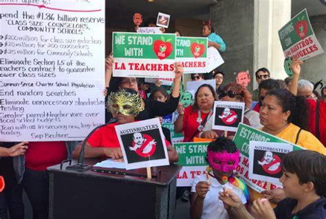 La Teacher Strike Lausd Parents Stuck In The Middle As Los Angeles Braces
