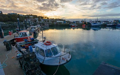 9 Awesome Things To Do In Howth, Ireland - NOMADasaurus