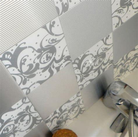 adh駸if carrelage cuisine carrelage auto adhesif cuisine maison design bahbe com