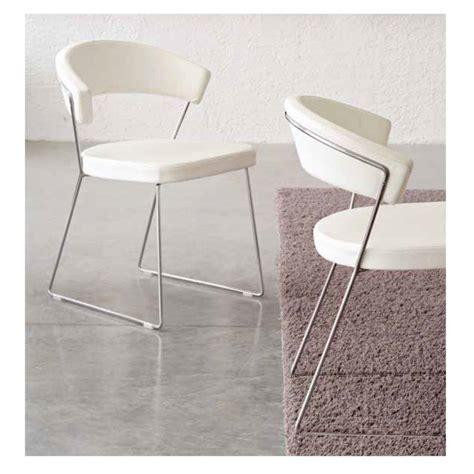 chaise bureau york chaise york de calligaris piètement luge depot design
