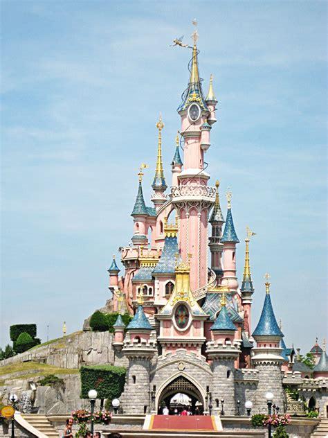 sleeping beauty castle  disneyland paris disney
