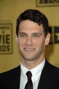 """Ellen: Justin Bartha """"The New Normal"""" and """"The Hangover III"""""""