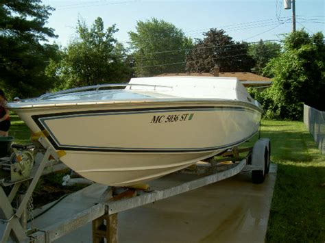 Cigarette Boats For Sale In Michigan by 1995 Superboat 24 Powerboat For Sale In Michigan