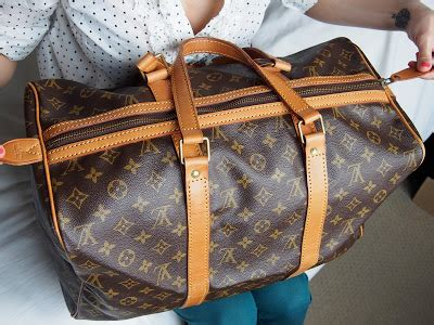 spot  fake louis vuitton bag