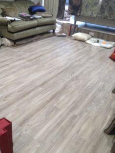 smartcore  natural floors cottage oak locking floating vinyl plank common