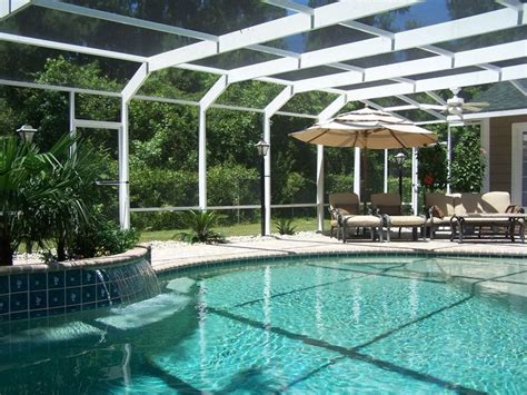 love  screened  pool     pool cage