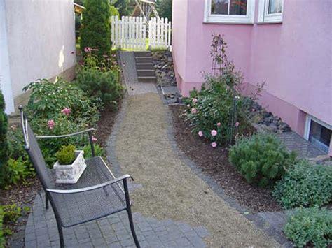 Größenverhältnisse Wie In Diesem Schmalen Gartenbereich